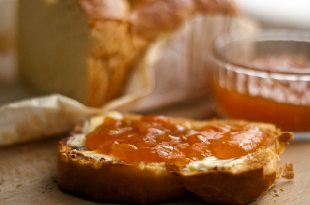 Brioche with apricot jam