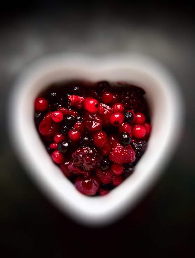 Valentine_heart_black.crop.1407