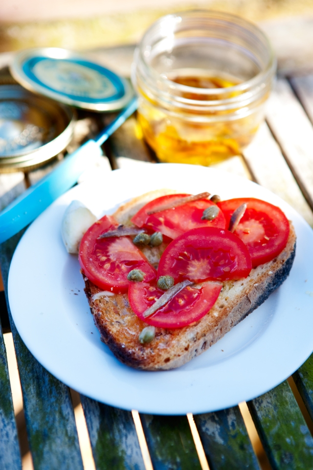 tomatoes_capers_anchovies_1755