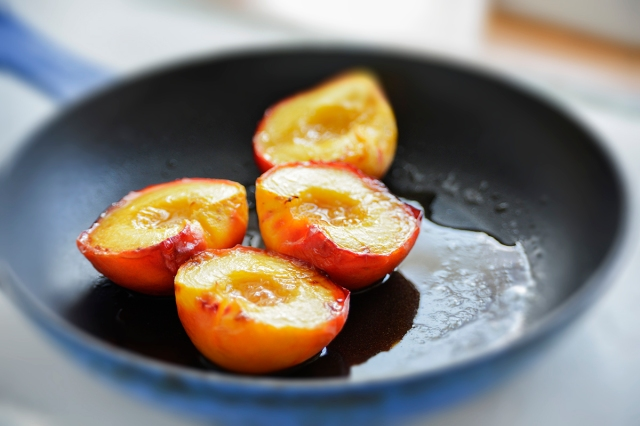 grilled_peach3_pan