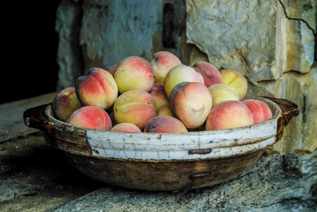 Peaches in bowl 3_retouch