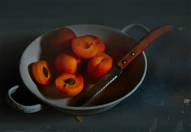 apricots_grey_bowl_04