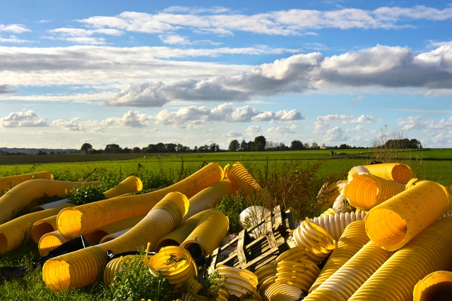 yellow_tubes_0004