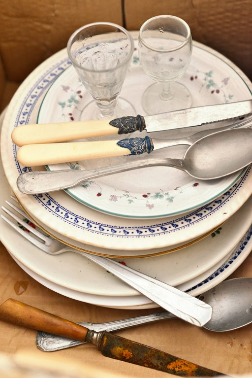 plates_cutlery_glasses_0013