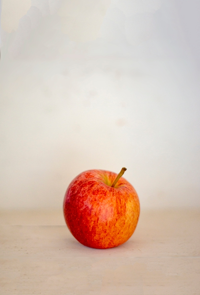 apple_portrait_0057