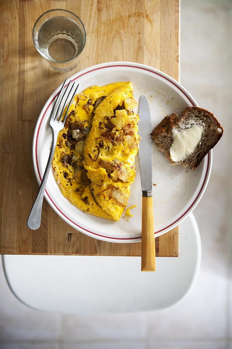 how to make egg yolk omelette